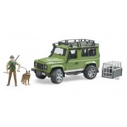 Automobilis Land Rover Defender su miškininku ir šunimi