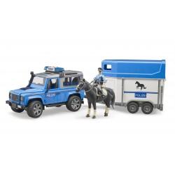 Policijos automobilis Land Rover Defender su žirgo priekaba žirgas ir policininkas