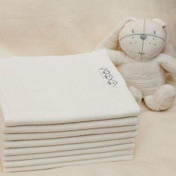 Baltas flanelinis vystyklas 70x100 cm